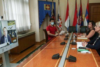 J. Joksimović、Várhelyi 和世界銀行部長對峰會的期望